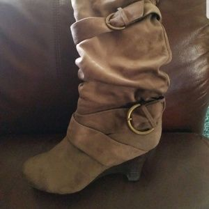 Wedge boots size 8.5